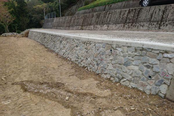 入田町 道路・石積み